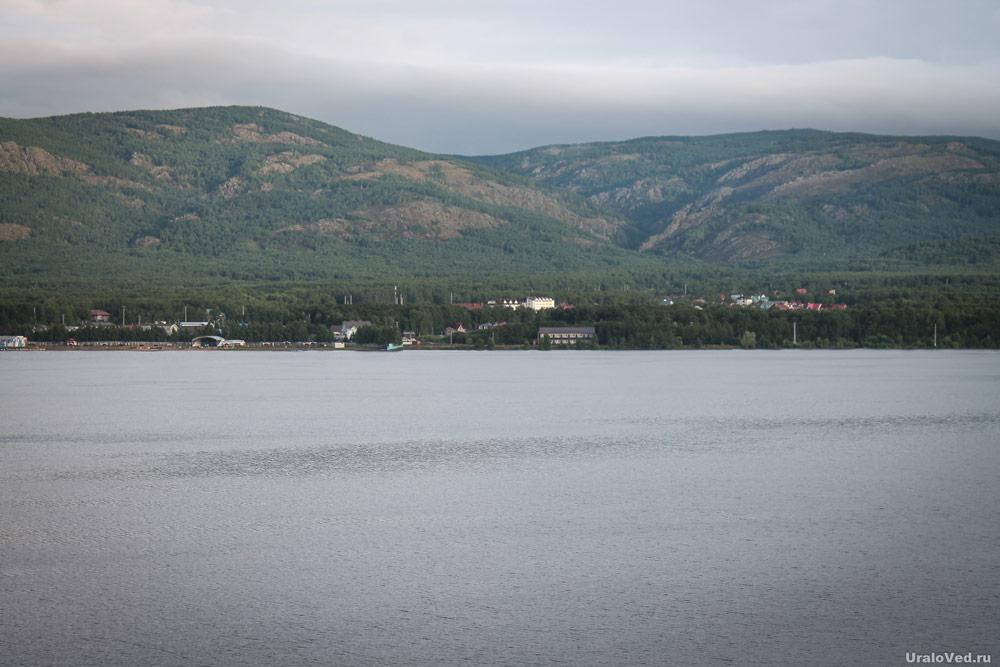 Хребет Яманкая за озером Яктыкуль
