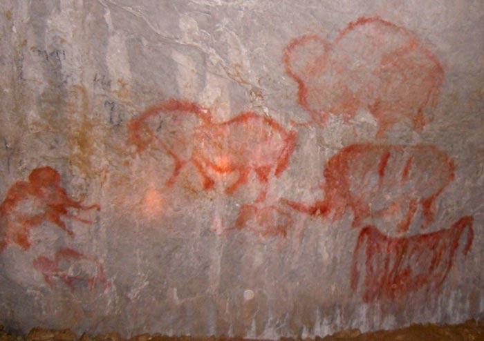 Реконструкция наскальных рисунков в Каповой пещере