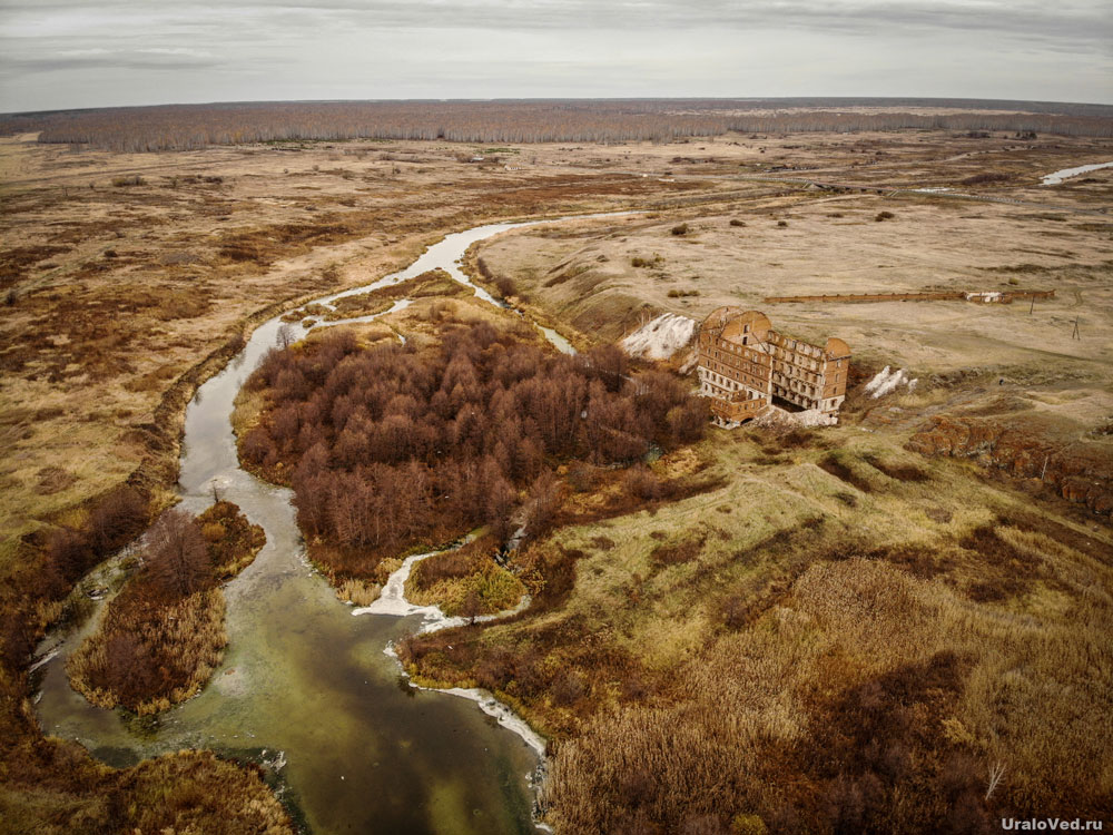 Река Теча около мельницы Злоказовых в Муслюмово с высоты