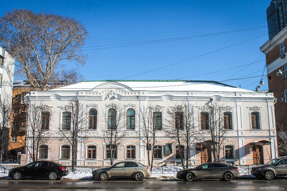 Дом писателя (Дом Дрозжилова) на ул. Пушкина, 12