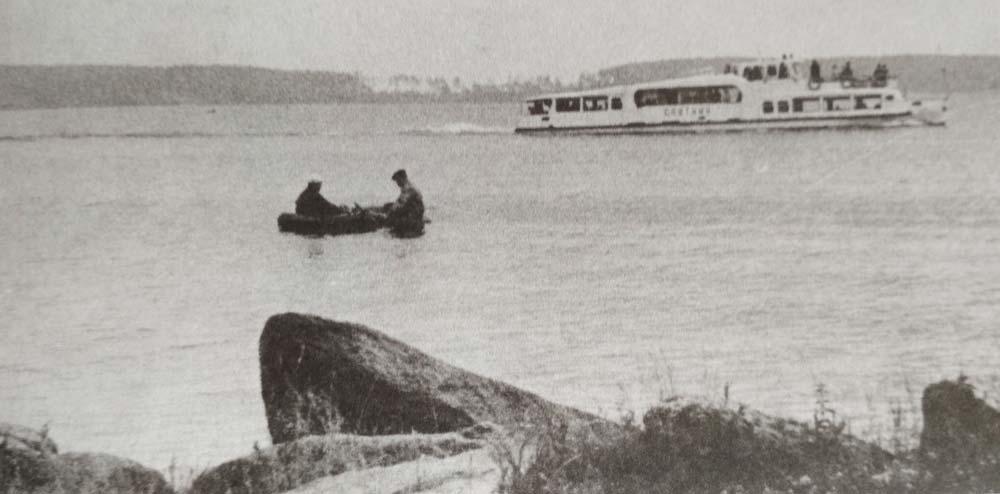 Теплоход Спутник на озере Шарташ. Фото 1970-х годов