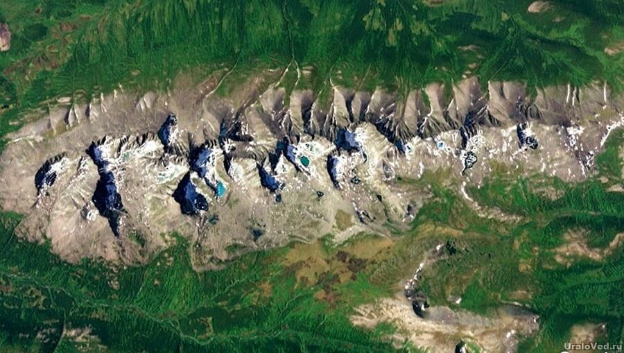 Хребет Сабля на Приполярном Урале