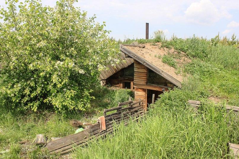 Дом-землянка Нины Ивановны