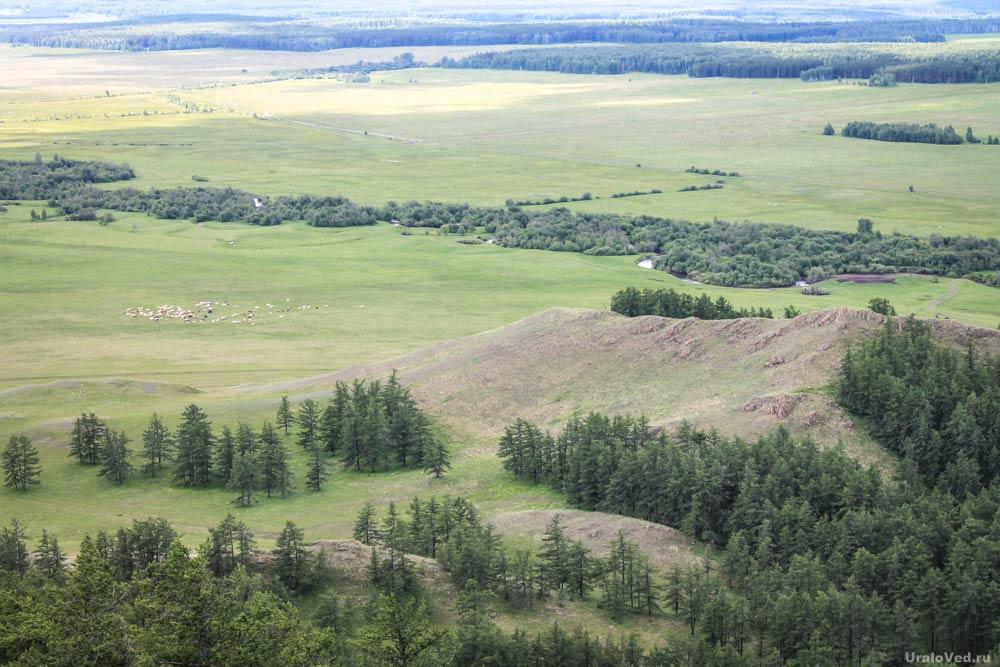 Река Урал неподалеку от своего начала. Вид с горы Калкан