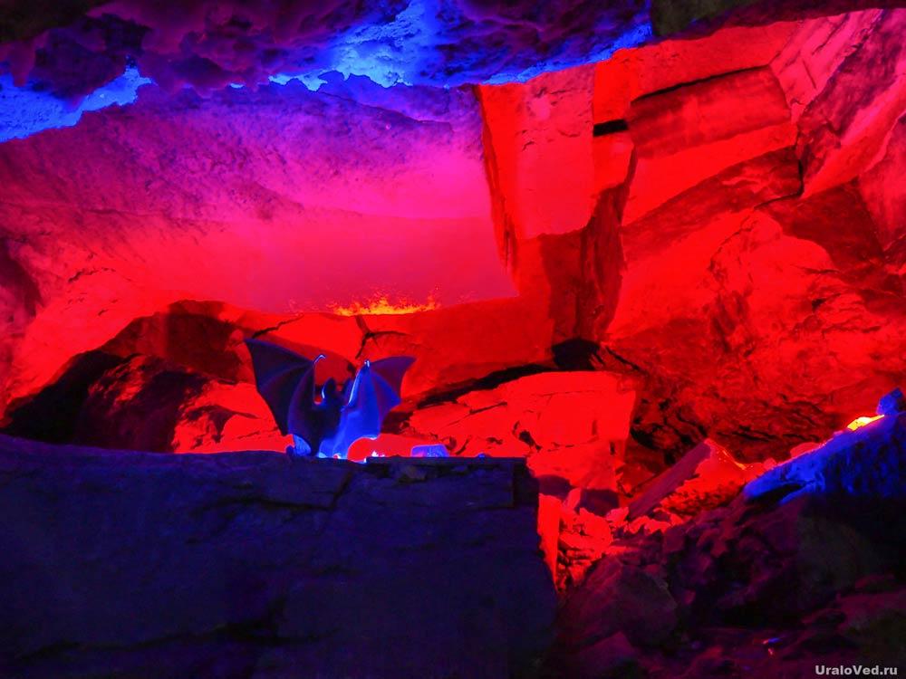 Летучая мышь в Кунгурской пещере
