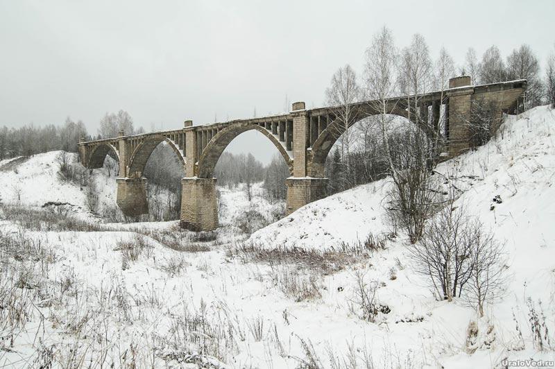Железнодорожный виадук в Октябрьском районе