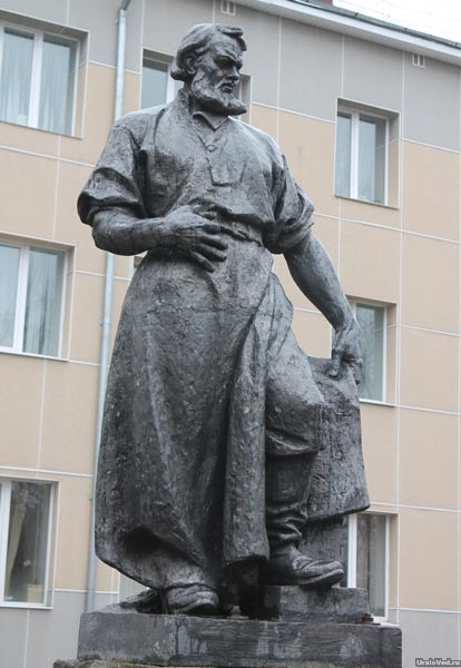 Памятник Игнатию Сафонову