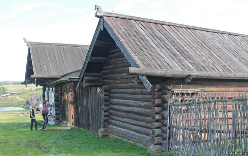 Крестьянская усадьба 18 века. Нижняя Синячиха  музей-заповедник деревянного зодчества