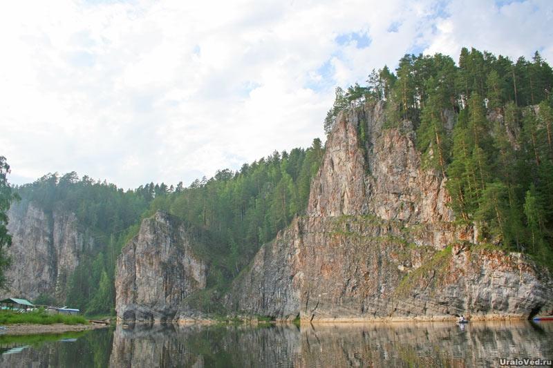Скалы на реке Чусовой