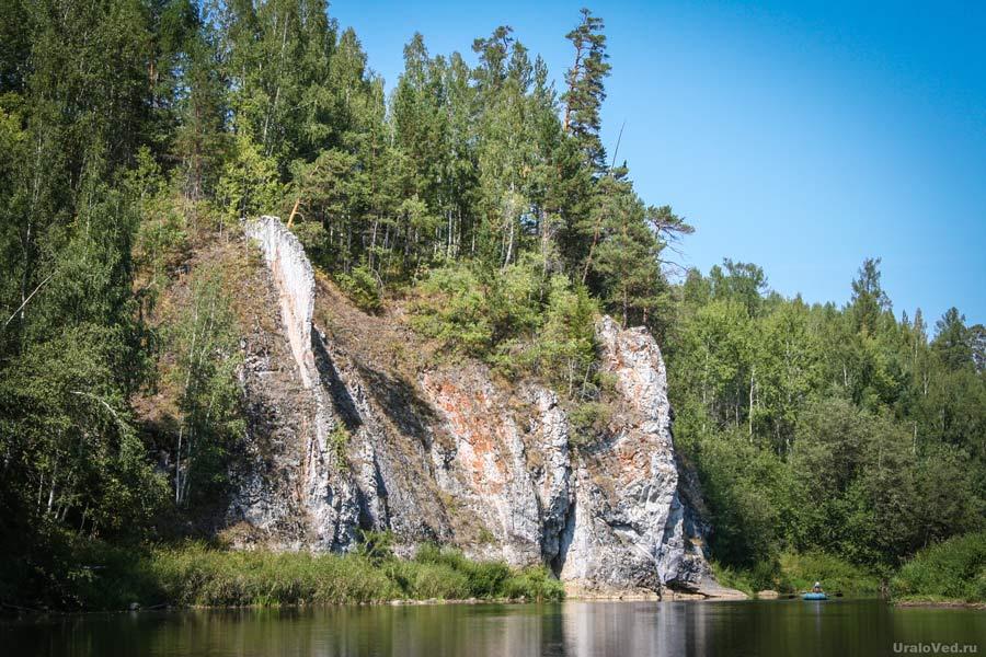Камень Гребешок на реке Чусовой
