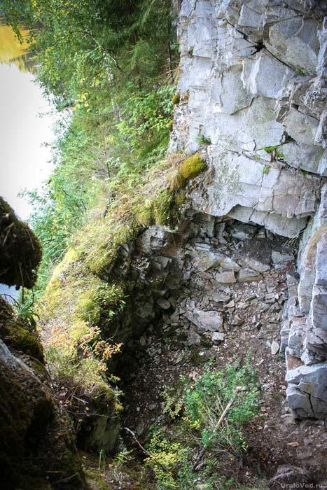 Обрушившаяся пещера в Гребешках