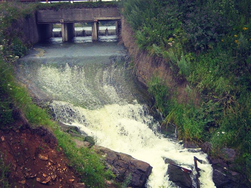 Плотина на речке Каменке