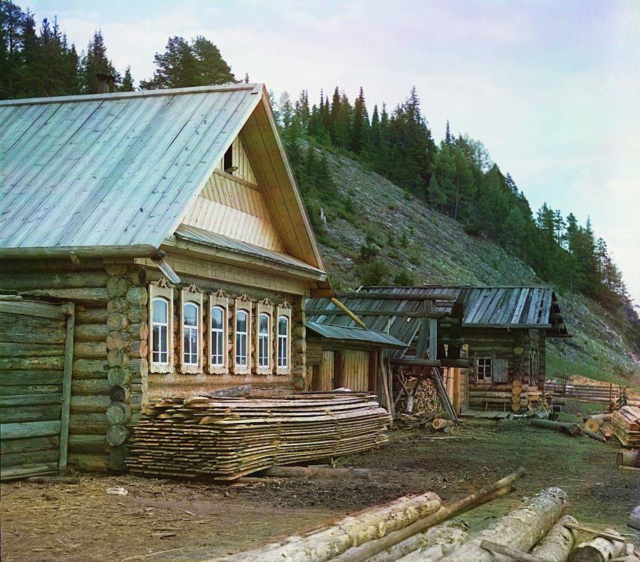 Дом около камня Худой. Фото С.М. Прокудина-Горского, 1912 г.
