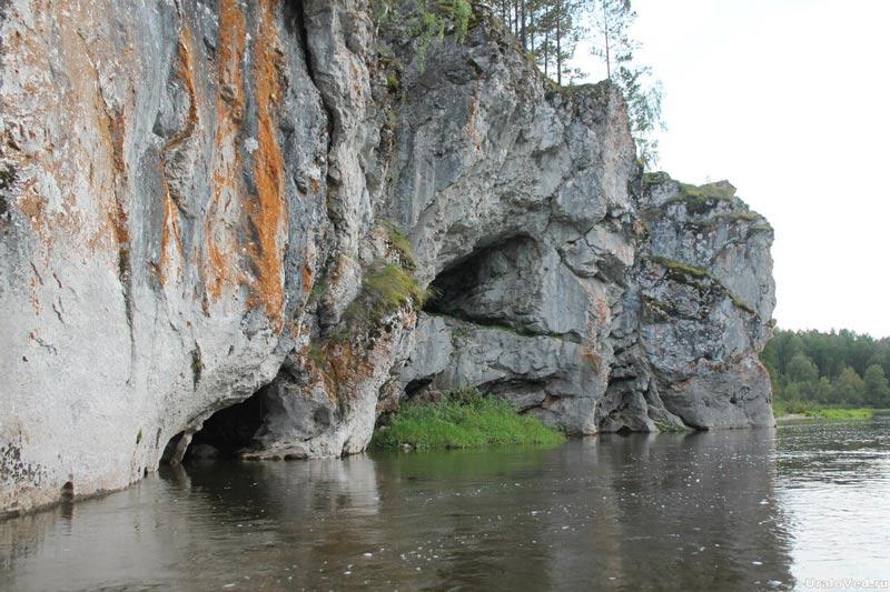 Скала Лягушка на реке Серге